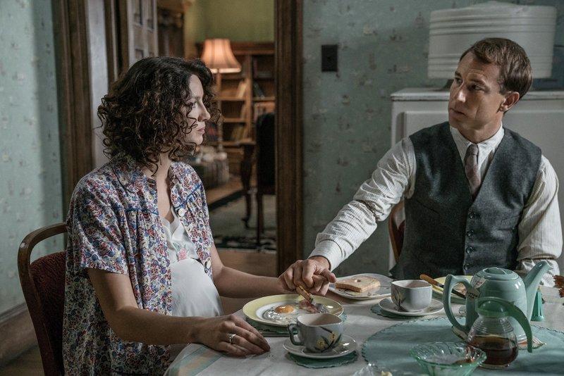Claire Randall (Caitriona Balfe), Frank Randall (Tobias Menzies) – Bild: MG RTL D / © 2017 Sony Pic