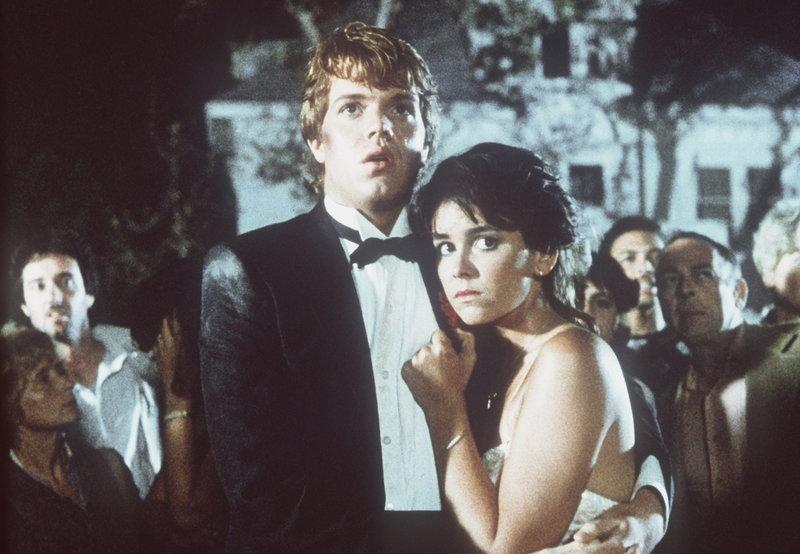 Der Alptraum ist vorüber Chris (Jason Lively, l.) und Cynthia (Jill Whitlow, r.) haben mit Müh und Not überlebt ... – Bild: kabel eins Classics