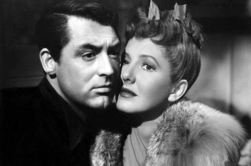 Der als Brandstifter und Mörder verdächtigte Leopold Dilg (Cary Grant) kann die junge Lehrerin Nora Shelley (Jean Arthur) von seiner Unschuld überzeugen. – Bild: arte
