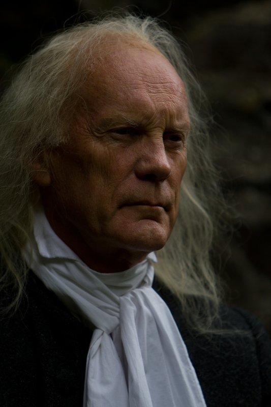 Isaac Newtons Fortschritte in der Wissenschaft hatten für ihn eine geringere persönliche Bedeutung, als sein umfangreiches alchemistisches Werk und seine ketzerischen und obsessiven religiösen Überzeugungen. – Bild: 2011 - Parthenon Entertainment Ltd All rights reserved. Lizenzbild frei