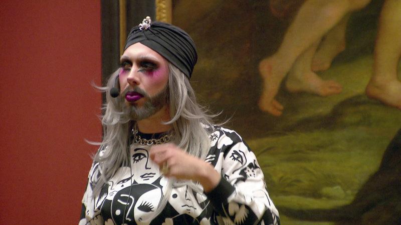 """Kunsthistoriker Ben / Drag Queen """"Tiefe Kümmernis"""" bei einer Führung im Kunsthistorischen Museum. – Bild: ZDF und ORF/Constanze Grießler"""