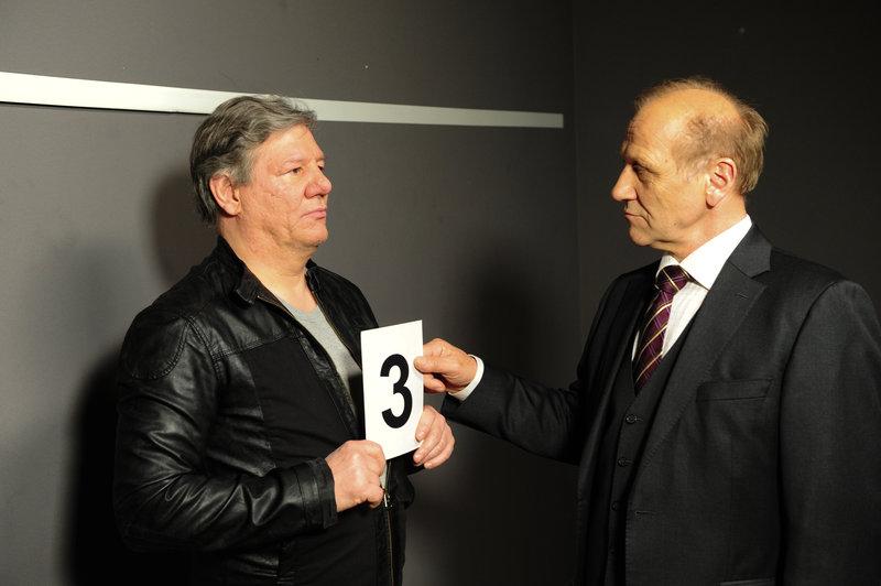 Michael Kaiser (Karl Kranzkowski, r.) und Klaus Bühler (Claude-Oliver Rudolph, l.). – Bild: ZDF und Markus Fenchel