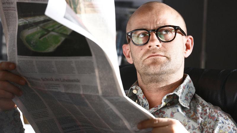 Mikas Vater (Jürgen Vogel) will härter durchgreifen.. – Bild: RTL II