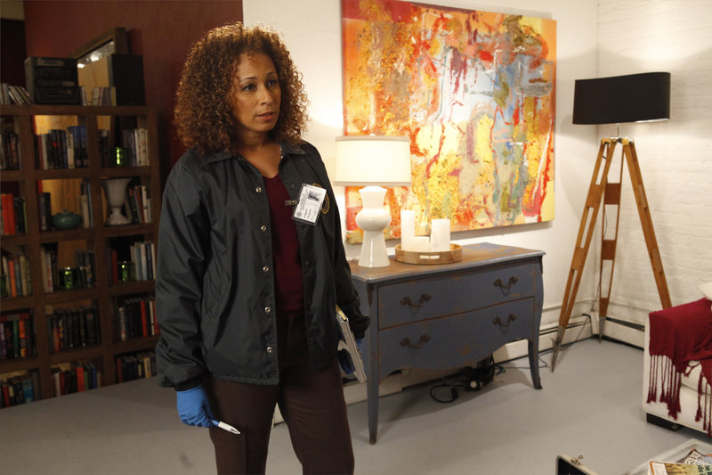 "-- ""Bully"" Episode 1218 -- Pictured: Tamara Tunie as Dr – Bild: Universal Channel"