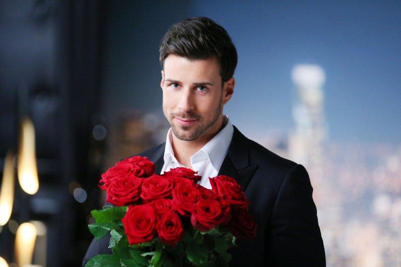 Bevor sich Bachelor Leonard in der siebten Nacht der Rosen von einer weiteren Frau verabschieden muss, warten drei luxuriöse Dreamdates auf ihn und die Ladys. Wen schickt Mr. Right heute nach Hause? – Bild: RTL