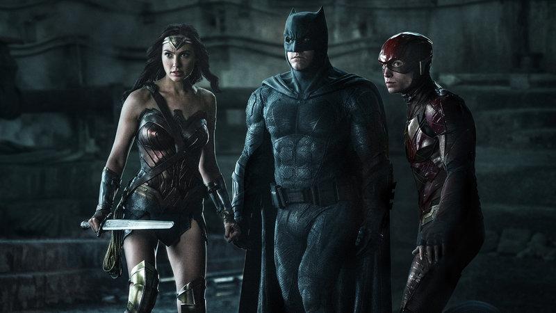 Justice League Als Gal Gadot als Wonder Woman, Ben Affleck als Batman, Ezra Miller als The Flash SRF/Warner Bros. – Bild: SRF2