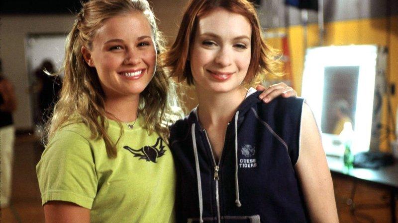 Whittier (Anne Judson-Yager, li.) und Penelope (Felicia Day, re.)Whittier (Anne Judson-Yager, li.) und Penelope (Felicia Day, re.) – Bild: RTL II