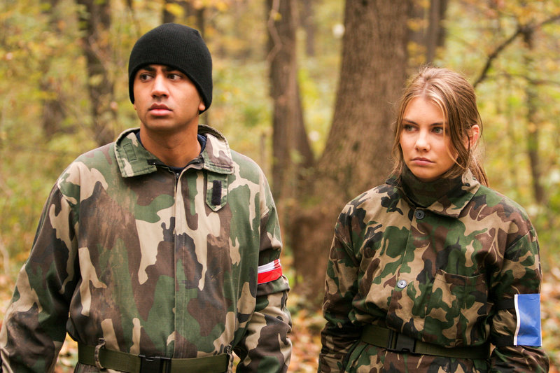 Kal Penn (Taj), Lauren Cohen (Charlotte). – Bild: ORF