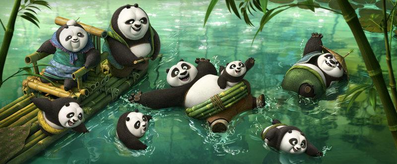 Pos (M.) leiblicher Vater Li (r.) nimmt ihn mit in sein entlegenes Dorf voller tollpatschiger Pandas. Doch die Idylle wird bedroht ... – Bild: 2016 Twentieth Century Fox Home Entertainment