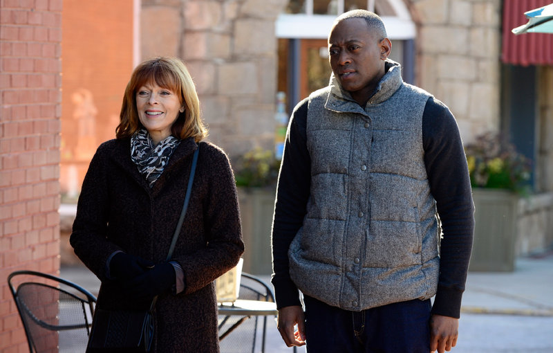 Lucille Langston (Frances Fisher) und J. Martin Bellamy (Omar Epps) – Bild: TVNOW / ABC Studios