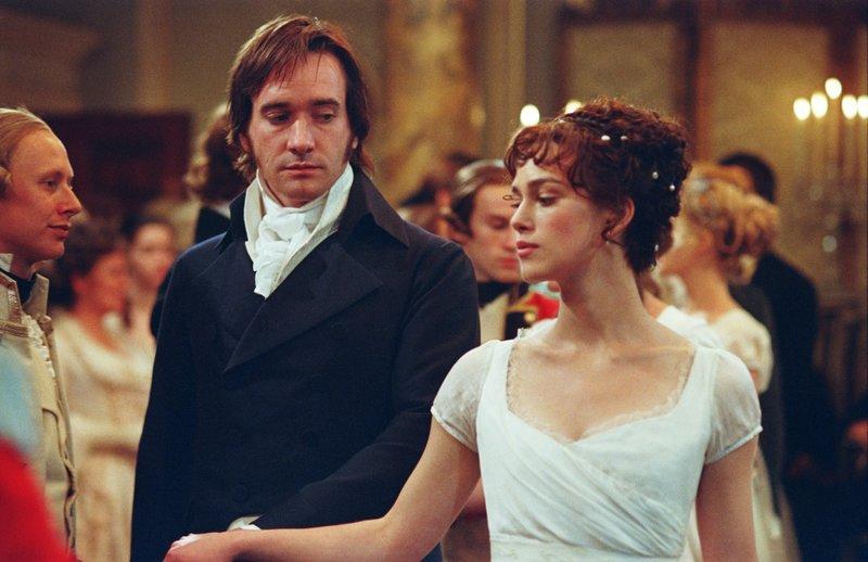 L-R: Mr. Darcy (Matthew MacFadyen), Elizabeth Bennet (Keira Knightley) – Bild: OTCM