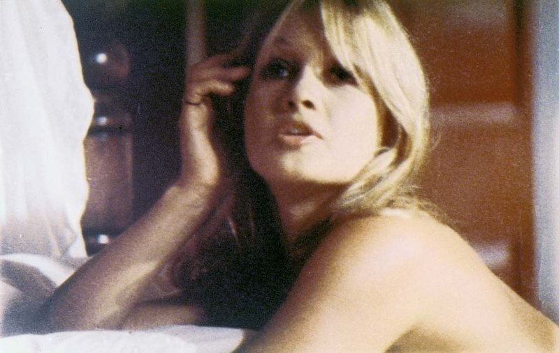 Seine Darstellerinnen (Darstellerin unbekannt) wählte Filmikone Russ Meyer stets entsprechend seiner Vorliebe für extrem große Oberweiten aus ... – Bild: 1967 Eve Prod., Inc. Lizenzbild frei