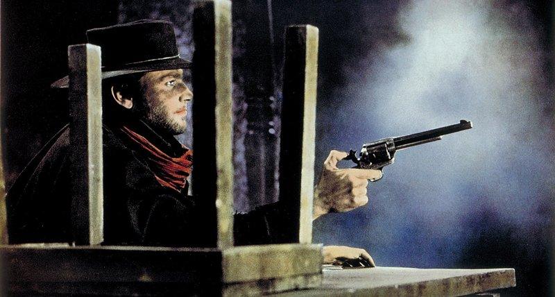 Sein Ziel ist allein die Rache: Major Jackson hat Djangos (Franco Nero) Frau ermordet, nun soll der rassistische Major dran glauben. Bis zum Schluss spielt Django sein Spiel mit ihm... – Bild: Studiocanal