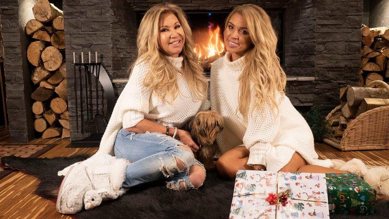 """Carmen nimmt zusammen mit DSDS-Gewinnerin Aneta ihr Musikvideo zu """"Christmas Fever"""" aufCarmen nimmt zusammen mit DSDS-Gewinnerin Aneta ihr Musikvideo zu """"Christmas Fever"""" auf – Bild: 0245"""