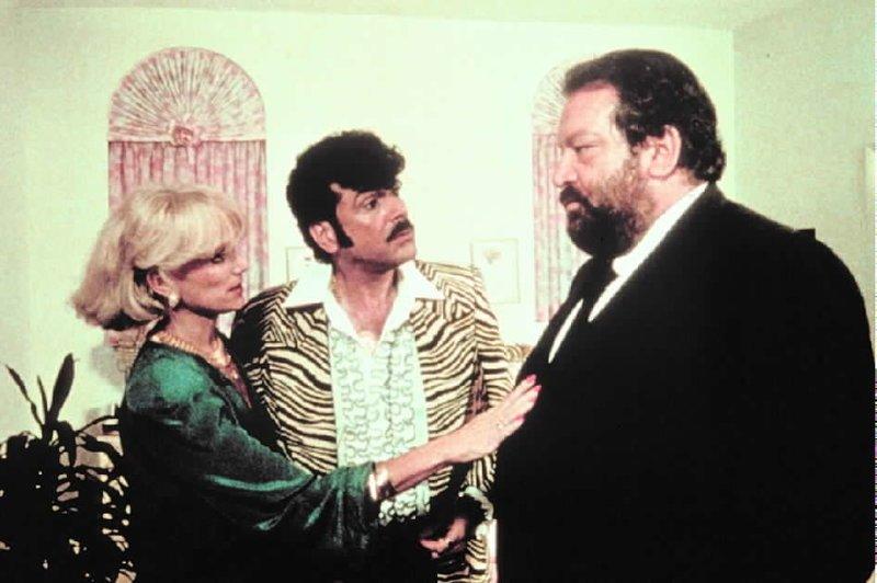 Die reiche Lady bittet Parker (Bud Spencer), sich die nächste Ladung Kloppe für die Mafia aufzuheben und den schmalschultrigen Italo- Rockabilly Tony (Tomas Milian) zu verschonen… – Bild: ATV II