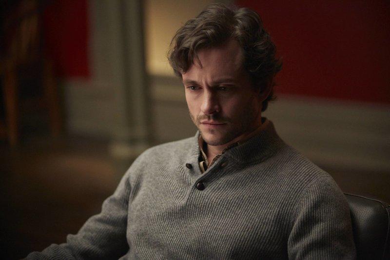 Jemand will ihn tot sehen und schreckt vor nichts zurück, doch Will (Hugh Dancy) kämpft ... – Bild: 2013 NBCUniversal Media, LLC / Brooke Palmer Lizenzbild frei