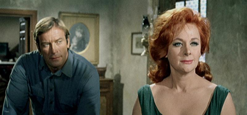 Kay Hillman (Yvonne Bastien) will nicht, dass Nebraska (Ken Clark) geht. Erwartet ihn jemand am Brokeback Mountain? – Bild: Servus TV