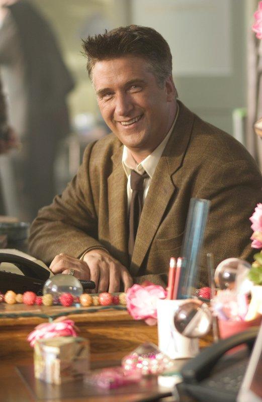 Saurier-Detektiv Ernie Watson (Daniel Baldwin). – Bild: Tele 5