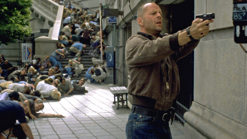 Art Jeffries (Bruce Wiliis) muß seine Verfolger abschütteln.. – Bild: RTL Zwei