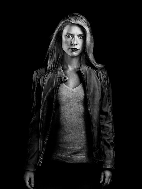 (7. Staffel) - Carrie Mathison (Claire Danes) ermittelt nun nicht mehr für das CIA, jagt aber immer noch Staatsverbrecher. Insbesondere denjenigen, der auf die frisch gewählte Präsidentin ein Attentat verübt hat ... – Bild: 2018 Showtime Networks, Inc., a CBS Company. All rights reserved. Lizenzbild frei