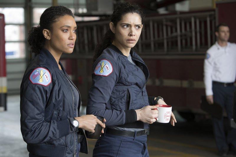 Pictured: (l-r) Emily Foster (Annie Ilonzeh), Stella Kidd (Miranda Rae Mayo) – Bild: / 2019 NBCUniversal Media, LLC/NBC/NBC