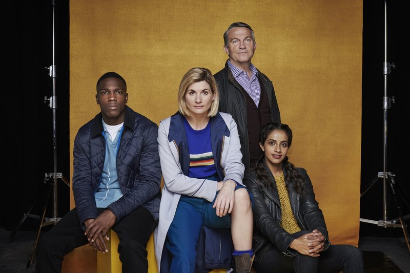 Picture Shows: Ryan (TOSIN COLE), The Doctor (JODIE WHITTAKER), Graham (BRADLEY WALSH), Yaz (MANDIP GILL) – Bild: Ray Burmiston / Copyright: BBC Studios. Photogra / Copyright: BBC Studios