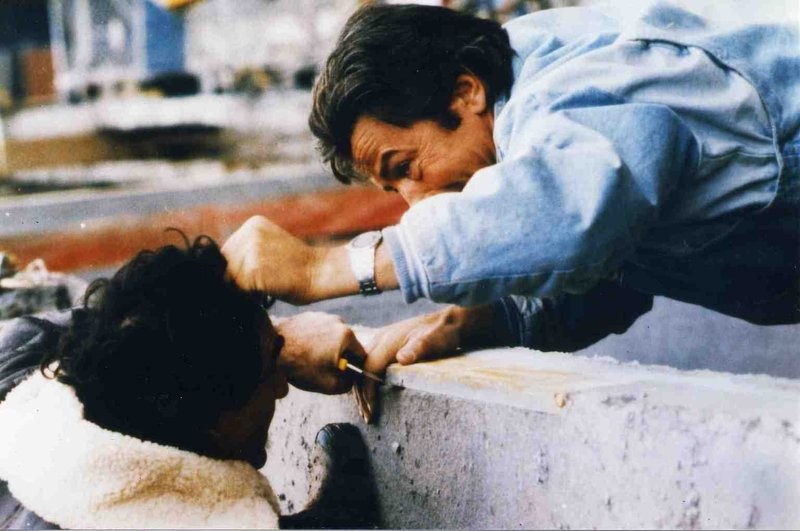 Daniel Pratt (Alain Delon, r.) – Bild: 1985 - PATHE RENN PRODUCTION - ROISSY FILMS Lizenzbild frei