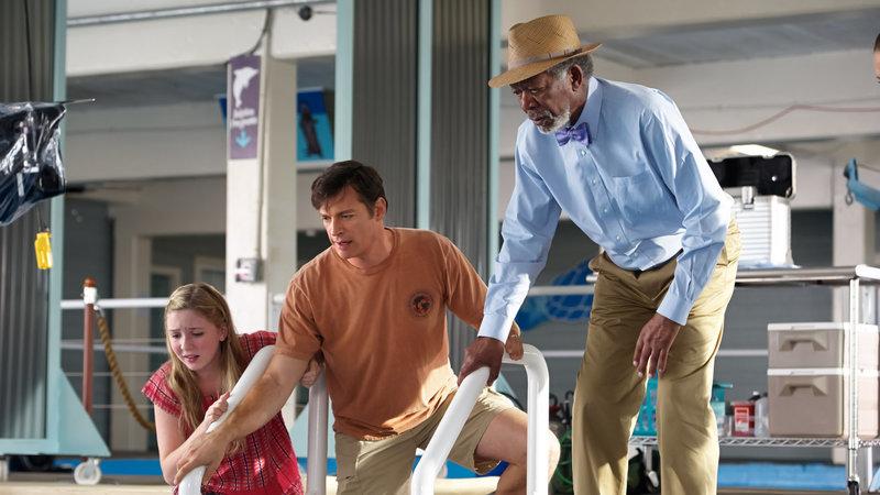 Cozi Zuehlsdorff as Hazel Haskett, Harry Connick Jr. as Dr. Clay Haskett and Dr. Morgan Freeman as Cameron McCarthys – Bild: 2014 Warner Bros. All Rights Reserved