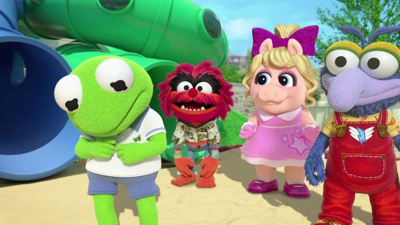 L-R: Kermit (voiced by Matt Danner), Animal (voiced by Dee Bradley Baker), Piggy (voiced by Melanie Harrison), Gonzo (voiced by Ben Diskin) – Bild: Disney Channel (DE)