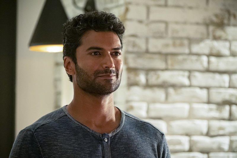 Dr. Ramsey Rosso (Sendhil Ramamurthy) – Bild: 2019 The CW Network, LLC. All rights reserved. / Katie Yu Lizenzbild frei