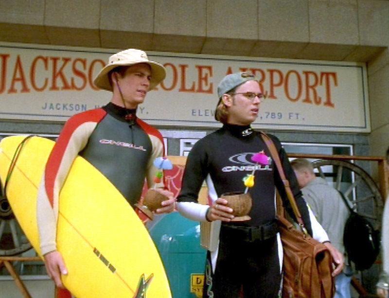 Die beiden Brüder Phil und Stew Deedle (Paul Walker, li. und Steve Van Wormer) werden von ihrem Vater wegen wiederholtem Schuleschwänzen in ein Camp nach Yellowstone geschickt - das Chaos ist vorprogrammiert! – Bild: RTL II