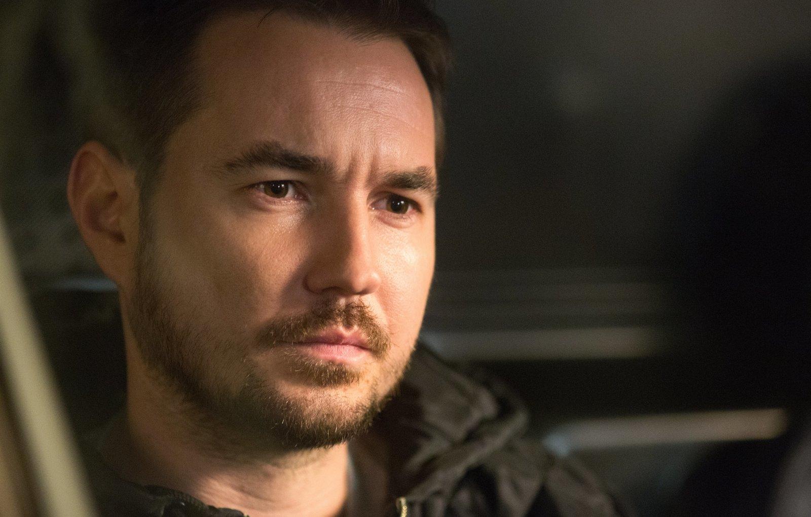 Der Auftragskiller Metzger (Martin Compston) kennt kein Erbarmen. – Bild: ZDF und Mark Tillie.
