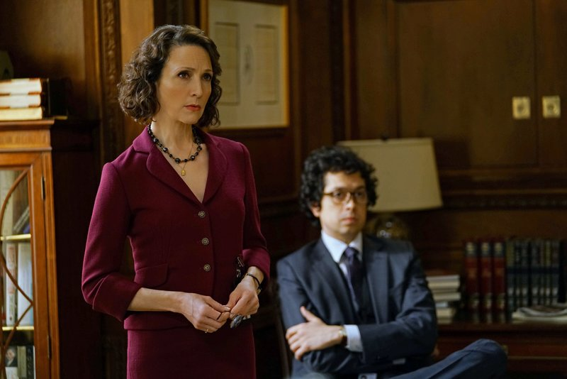 Pictured L-R: Bebe Neuwirth as Nadine Tolliver and Geoffrey Arend as Matt Mahoney – Bild: Sky Atlantic