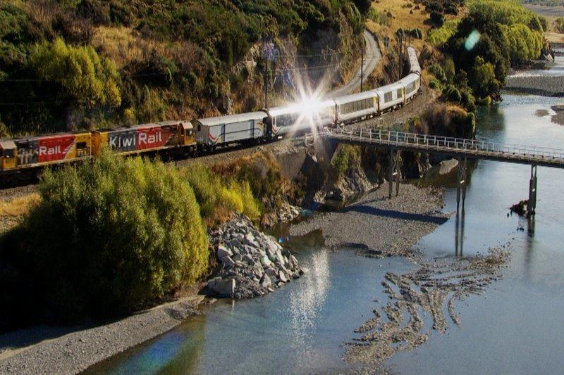 DOK Sonntag: Von Zügen und Menschen - Neuseeland Philippe Gougler unterwegs in Neuseeland Copyright: SRF/Kwanza – Bild: SRF/Kwanza