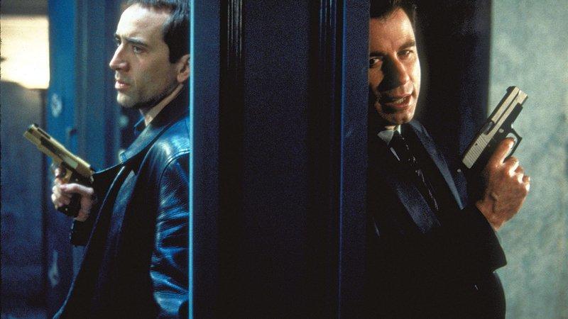 Archer (John Travolta, re.) und Troy (Nicolas Cage, li.) haben die Identitäten getauscht.Archer (John Travolta, re.) und Troy (Nicolas Cage, li.) haben die Identitäten getauscht. – Bild: RTL 2
