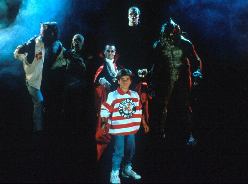 Graf Dracula, der Mannschaftsführer der Bösen, führt ein erlesenes Team an legendären Horrorgestalten gegen monsterkundige Kids ins Feld. – Bild: PR7; ProSieben Media AG