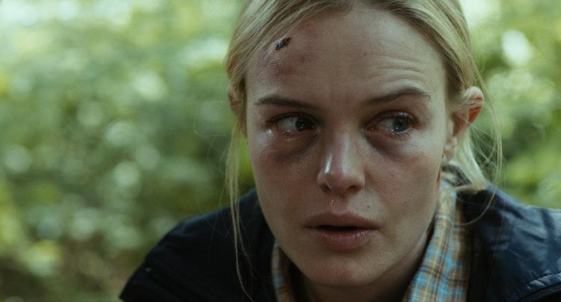 Sarah (Kate Bosworth) hat Todesangst. – Bild: Wild Bunch