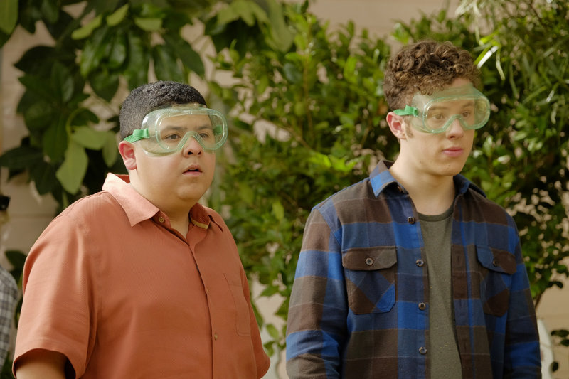 Manny (Rico Rodriguez, l.), Luke (Nolan Gould) – Bild: MG RTL D / © 2016-2017 American Broadcasting Companies. All rights reserved