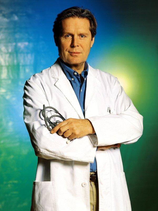 Dr. Stefan Frank (Sigmar Solbach) – Bild: RTL Passion (DE)