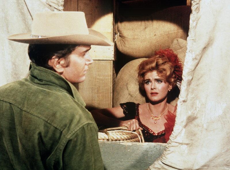 Lila Conrad und der Richter (Staffel 5, Folge 14) – Bild: Paramount Pictures Lizenzbild frei