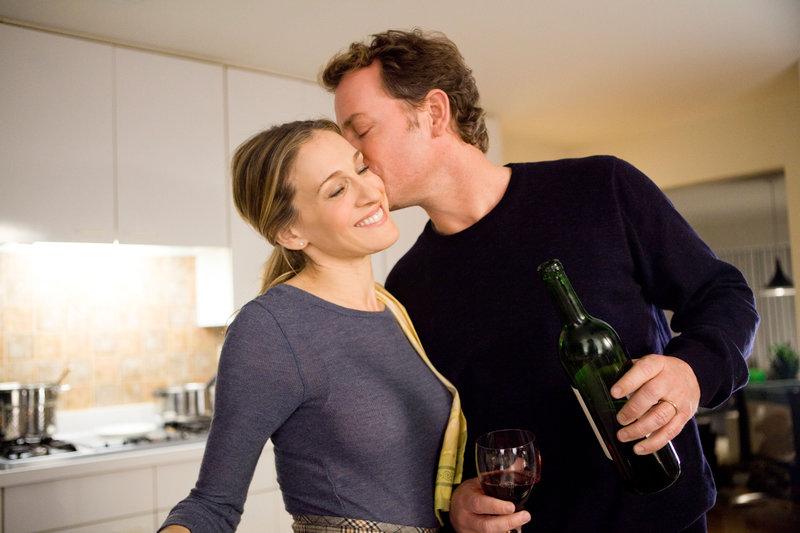 Sarah Jessica Parker (Kate Reddy), Greg Kinnear (Richard Reddy). – Bild: ORF