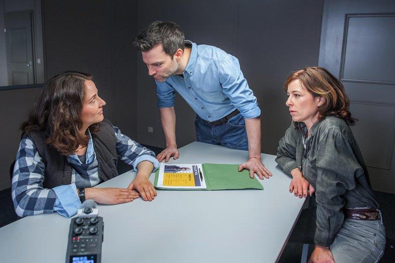 Im Bild (v.li.): Dominika Schattner (Nina Horvath), Lukas Roither (Jakob Seeböck), Nina Pokorny (Julia Cencig). – Bild: SRF zwei