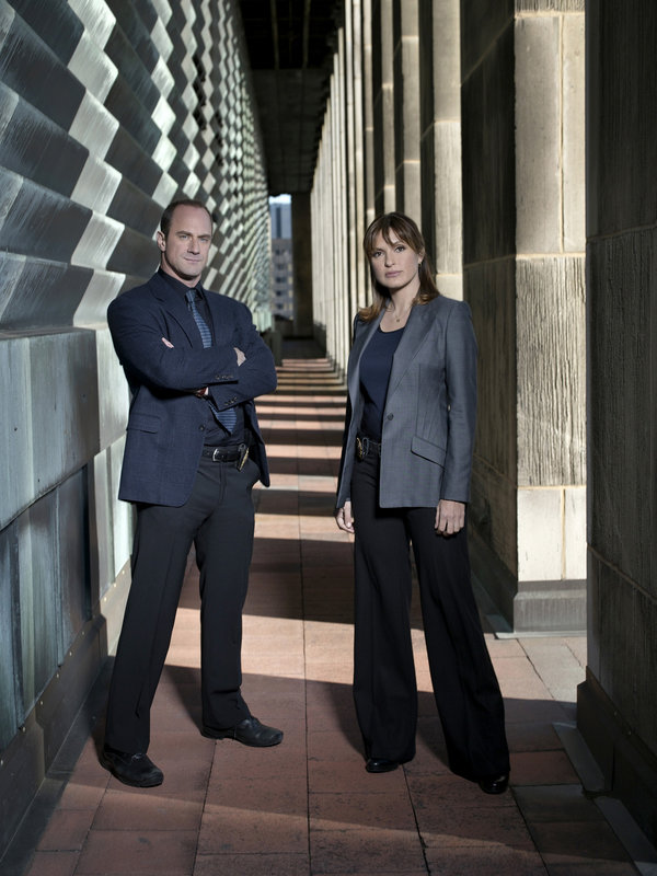 Pictured: (l-r) Christopher Meloni as Det. Elliot Stable, Mariska Hargitay as Det. Olivia Benson – Bild: Universal Channel