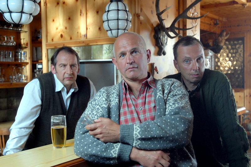 Seewirt (Wolf Bachofner), Hias (Fritz Egger), Schluderer (Rainer Egger). – Bild: ORF