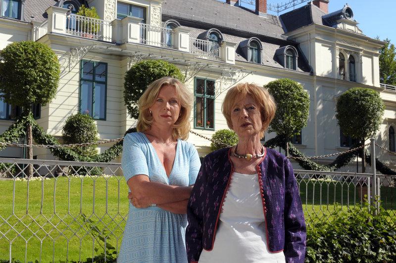 Marion Kracht (Christina Sonnenfeld), Rosemarie Fendel (Marianne Sonnenfeld). – Bild: ORF