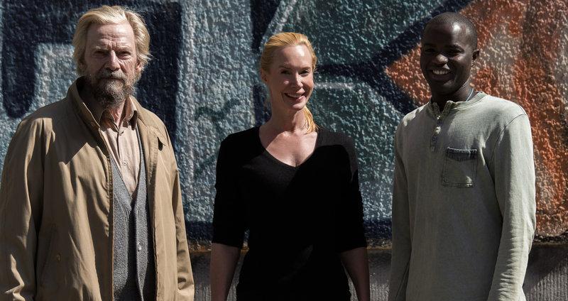 Willi (Jesper Christensen), Feo Aladag (Regisseurin, Autorin, Produzentin), Nama (Nama Traore) (v.l.) – Bild: ZDF