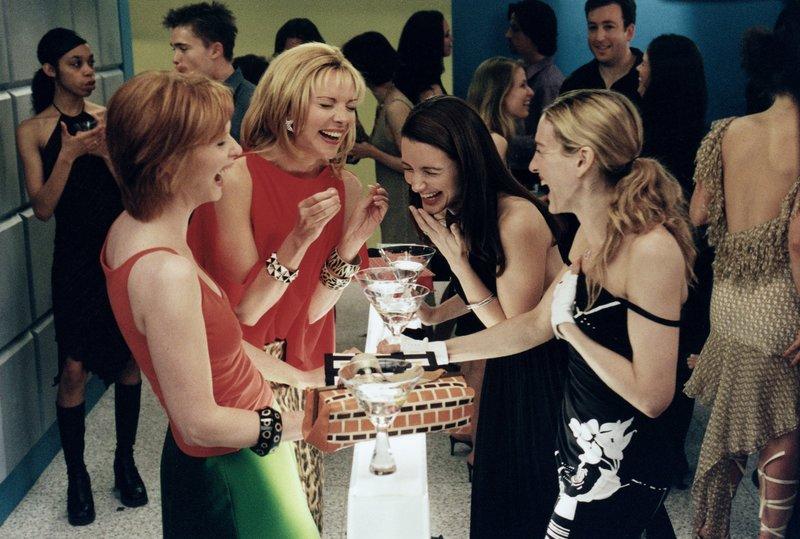(v.l.n.r.) Miranda Hobbes (Cynthia Nixon); Samantha Jones (Kim Cattrall); Charlotte York (Kristin Davis); Carrie Bradshaw (Sarah Jessica Parker) – Bild: 2019 Home Box Office, Inc. All rights reserved. HBO / Craig Blankenhorn Lizenzbild frei
