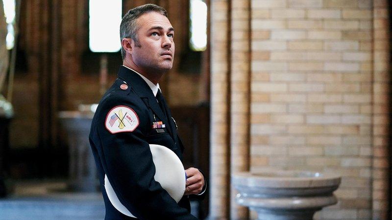 Chicago Fire Staffel 7, Folge 7 Er trauert um seinen Vater: Taylor Kinney als Kelly Severide. Copyright: SRF/NBC Universal – Bild: SRF/NBC Universal