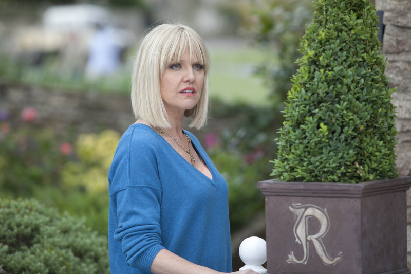 Agatha Raisin (Ashley Jensen). – Bild: ZDF und Jon Hall
