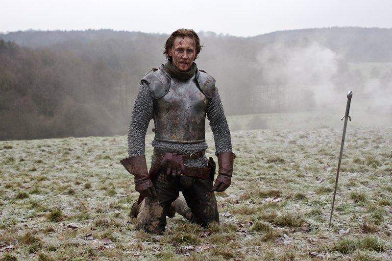 König Henry V. (Tom Hiddleston) – Bild: RTL Passion